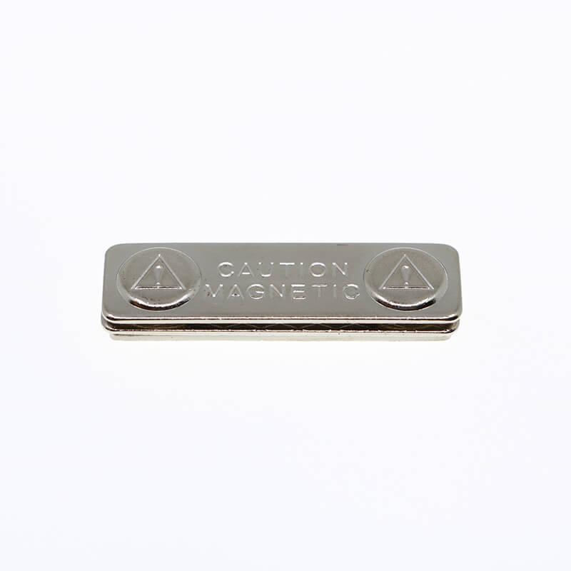Tags de nome magnético de metal-1